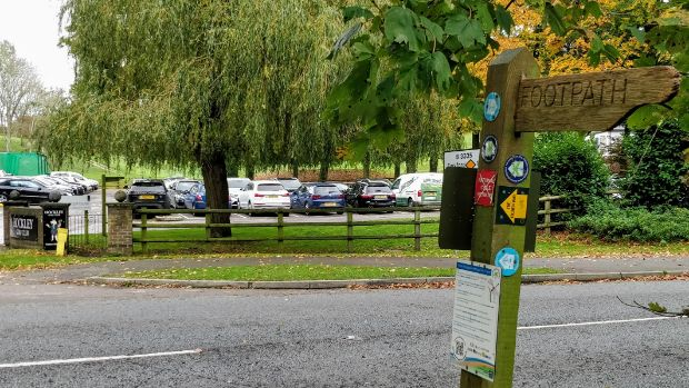 Itchen Way sign pointing left along the B3335 Winchester Road