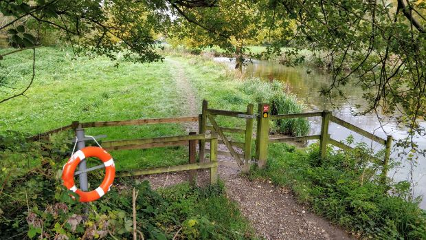 Path and gate on the Itchen Way, with lifebuoy