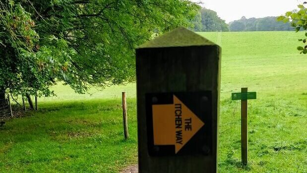 First Itchen Way sign. Yellow arrow on post.