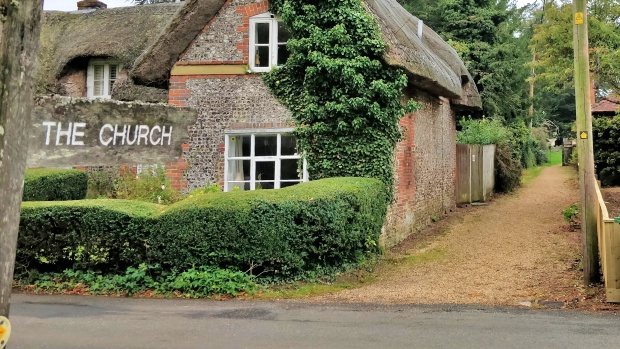 Sign to 'The Church' and the  Itchen Way route via the church in Cheriton
